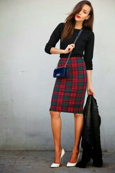 How to Chic: PLAID PENCIL SKIRT // The Outfit, Not the Accessories