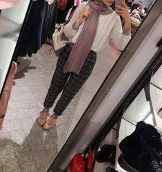 Modern Hijab Fashion, Hijab Fashion Inspiration, Islamic Fashion, Muslim Fashion, Modest Fashion, Fashion Outfits, Hijab Wear, Ootd Hijab, Hijab Chic