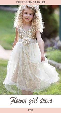 Flower girl dress #afflink #weddingdress #flowergirl #wedding
