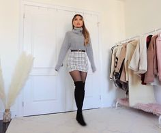 Winter Fashion Outfits, Fall Winter Outfits, Autumn Fashion, Simple Outfits, Trendy Outfits, Sticky Chicken, Fall Skirts, Satin Skirt, Skirt Outfits