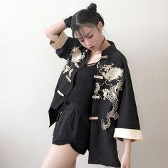 Black/white embroidery coat SE8784