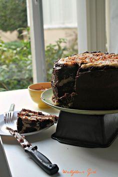 Hawaiian Chantilly Layer Cheesecake Cake for #cheesecakeday - Wallflour Girl Layer Cheesecake, Peanut Butter Cheesecake, Raspberry Cheesecake, Whipped Chocolate Frosting, Chocolate Chiffon Cake, Chocolate Pastry, Chocolate Cakes, Cake Mix Recipes, Dessert Recipes