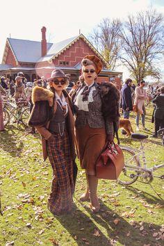 A selection of styles from the 2019 Ballarat Lifestyle Magazine Tweed Ride Retro Fashion, Vintage Fashion, Style Fashion, Vintage Style, Tweed Ride, Tweed Blazer, Plaid, Tartan, Style Me