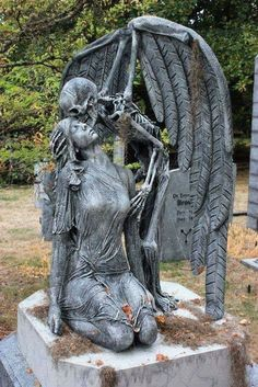 This is a static prop of the kiss of death based on a real marble sculpture from 1930 found in a cemetery in Barcelona Spain. We decided to make the human form be a woman instead of a man and… Continue Reading → Cemetery Angels, Cemetery Statues, Cemetery Art, Angel Statues, Buddha Statues, Tattoo Tod, Sculpture Romaine, Monster Mud, Foam Carving