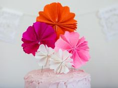 Slice into this cute floral scene to reveal a creepy-crawly surprise.