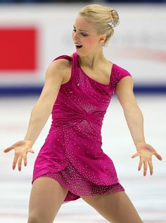 Figure Skater Kiira Korpi has won the Moscow gp race with record points of Running Pictures, Gym Leotards, Women Figure, Ladies Figure, Ice Girls, Figure Skating Costumes, Figure Skating Dresses, Beautiful Figure, Sporty Girls