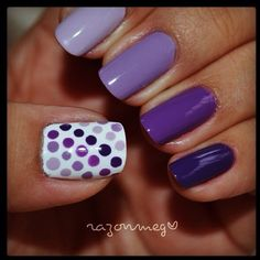 Ombre, Polka Dot Nails on ring finger Get Nails, Fancy Nails, Trendy Nails, Love Nails, Hair And Nails, Polka Dot Nails, Polka Dots, Uñas Fashion, Purple Nails