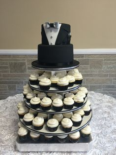 Black Tuxedo Cake/Cupcake Tower #blacktuxedocakes#tuxedocakes#tuxedocupcakes#cupcaketowers#atlcakes#atlacupcakes#hamptoncustomcakes