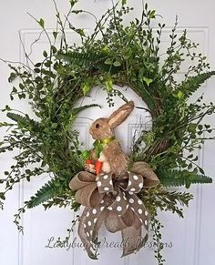 24 Adorable Easter Front Door Wreaths Looking for Easter decorating inspirations for your front door. Try one of these 24 Adorable Easter front door wreaths and door hanger ideas! They will put a smile on your face and warm your heart. Diy Spring Wreath, Diy Wreath, Spring Crafts, Wreath Ideas, Wreath Making, Wreath Crafts, Spring Wreaths For Front Door Diy, Burlap Wreaths, Diy Crafts