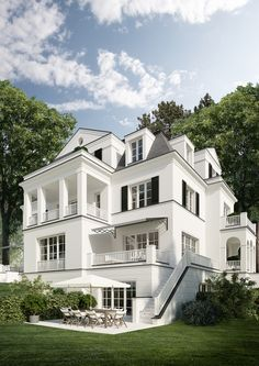 19th-century grandeur reinterpreted for today These two city villas combine luxurious living with architectural tradition Wherever you go in Dahlem, you'll be struck by this affluent suburb's unique charm. With its mix […]