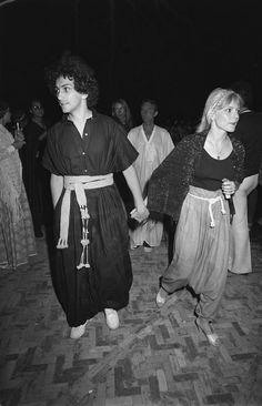 Main dans la main France Gall, Marrakech, Julien Clerc, Dr Scholls Sandals, Couples, People, Europe 1, Plus Belle, Clogs Shoes