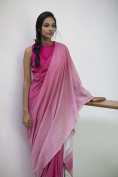 Get the ultimate guide on how to create your own designer saree blouses, with all the tops you have in your closet. Get the latest on saree drapes and new styles. All images belong to their respective owners, contact us for a credit saree Saree Draping Styles, Saree Styles, Tie Styles, Indian Dresses, Indian Outfits, Indian Clothes, Formal Saree, Modern Saree, Indian Attire