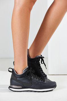 Slide View: 3: Nike Internationalist Mid Leather Sneaker