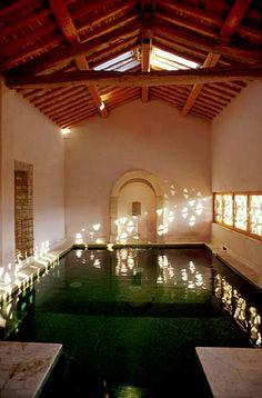 http://www.tuscanyinside.com/Farmhouse-San-Gimignano.htm