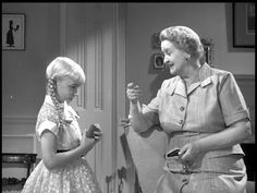 THE BAD SEED 1956 Evelyn Varden portrays annoying landlady and neighbor, Monica Breedlove. My favorite movie. Sci Fi Horror Movies, Scary Movies, Great Movies, Haunted Movie, Thelma Ritter, The Bad Seed, Vintage Movies, Classic Movies, Classic Hollywood
