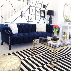 Featuring @the_beautiful_savages and her stunning living room design for our #fanfriday post.  Have a super weekend everyone! #tgif #interiordesign #homedecor #home #style #livingroom #beautiful #luxe #glam