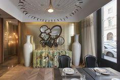 Encántese Con Esta Preciosa Selección de Espejos Elegantes ➤ Para descubrir más espejos refinados, visítenos en www.decorarunacas.... #espejoslujosos #TendenciasEnInteriorismo #bestdesigntrends #bykoket @BRABBU | DESIGN FORCES @TheEssential Home @KOKET Love Happens @Boca do Lobo #diseñoexclusivo