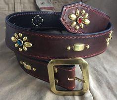 Un favorito personal de mi tienda Etsy https://www.etsy.com/es/listing/271912190/western-studded-belt-rockabilly-belt