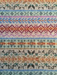 Ravelry: Project Gallery for Fairisle Club: Traditional Fair Isle Throw pattern . Ravelry: Project Gallery for Fairisle Club: Traditional Fair Isle Throw pattern by Marie Wallin. Fair Isle Knitting Patterns, Knitting Charts, Weaving Patterns, Knitting Stitches, Hand Knitting, Knitting Machine, Vintage Knitting, Stitch Patterns, Motif Fair Isle