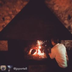 FUEGO  Repost from @jpportell - El nostre amfitrió @ignaciomdx a l'hotel amb més encant que hem estat mai.  #hotel #hotelviews #travel #viaje #viatge #vouyage #reise #travelling #instatravel #architecture #arquitectura #diseño #design #Spain #España #Aragón #Teruel #Matarranya #nature #rural #boutiqueHotel #petfriendly #kidsfriendly #gayfriendly #luxury #exclusive