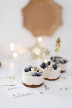 We have already done this weekend to the Christmas menu planning and we have some ice cream ideas for Christmas & The post Ice cream desserts for the feast appeared first on Food Monster. Christmas Desserts, Christmas Treats, Christmas Baking, Christmas Cakes, Christmas Cheesecake, Christmas Wrapping, Christmas Recipes, Cheesecake Ice Cream, Ice Cream Desserts