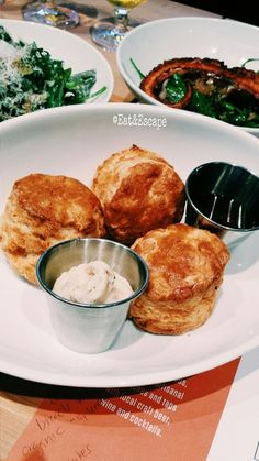 Tap 415, san francisco, SF, Westfield mall, westfield shopping center, restaurant review, eat and escape, biscuits, bisquits, pork ham, pepper honey