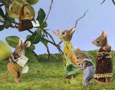 Felt mouse mail diorama by Maggie Rudy #Craft #Felt #Animals