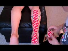 Achilles Tape Application - I love kenesiotaping Calf Muscle Strain, Calf Strain, Fitness Tips, Health Fitness, Muscle Stretches, Kinesiology Taping, Calf Muscles, Sports Medicine, Free Tips