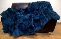 Fur Fashion, Winter Fashion, Christams Gifts, Fur Accessories, Fur Blanket, Furniture Covers, Fur Coat, Trending Outfits, Luxury