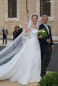 Elisabetta Maria Rosboch von Wolkenstein et son papa Ettore Rosboch von Wolkenstein - Mariage du Prince Amedeo de Belgique et de Elisabetta Maria Rosboch von Wolkenstein, à la basilique de Santa Maria à Trastevere, Rome, Italie le 5 juillet 2014.