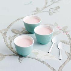 Petit pot à la rose extrait de Ladurée Sucré  Photo : Sophie Tramier