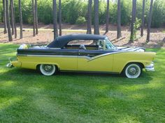 56 Ford Fairlane Sunliner. Love the look & the name.