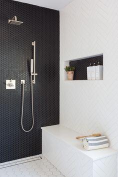 Home Interior Salas .Home Interior Salas Bad Inspiration, Bathroom Inspiration, Modern Bathroom, Small Bathroom, Black Tile Bathrooms, Modern Shower, Shower Fixtures, Shower Niche, Master Bathroom Shower