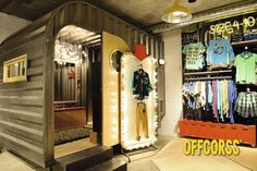 OFFCORSS store by OFFCORSS & Plasma, Medellín – Colombia » Retail Design Blog  Cool cambiador