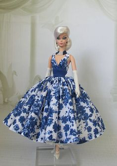 Silkstone Cocktail Dress | Nata-leto | Flickr Barbie Fashion Royalty, Fashion Dolls, Fashion Show, Vintage Barbie Clothes, Vintage Dresses, Doll Clothes, Barbie Gowns, Barbie Outfits, Short Gowns