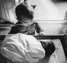 54 Trendy Baby Pictures With Siblings Big Brothers 54 trendige Babybilder mit Geschwistern Big Brothers Little Sister Pictures, Big Brother Little Sister, Sister Photos, Big Sisters, Baby Sister, Baby Hospital Pictures, Newborn Pictures, Baby Pictures, Hospital Newborn Photos