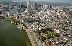Mississippi River, French Quarter and Woldenberg Park.