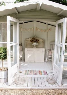 8 Simple and Impressive Ideas: Shabby Chic Vanity Girly shabby chic bedroom floral.Shabby Chic Salon All White shabby chic living room design. Shabby Chic Terrasse, Shabby Chic Outdoor Decor, Shabby Chic Veranda, Shabby Chic Porch, Shabby Chic Living Room, Shabby Chic Kitchen, Shabby Chic Homes, Shabby Chic Garden, Garden Cottage