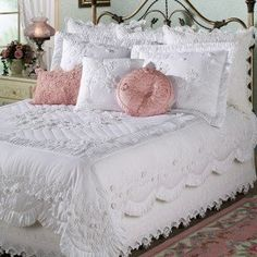 Tranquil Garden Quilt - Ordered in Ecru . with matching Shams and the Round Pillow.Tranquil Garden Quilt Bedding - the pink pillows are a nice touch, but in this picture it's the bedding that is a wowzer!Definitely going to buy this. Perfect with Per