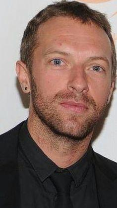 Chris ❤ Chris Martin Coldplay, Pop Rocks, Beautiful Soul, Cool Bands, Hero, Singer, Dreams, Guys, Film