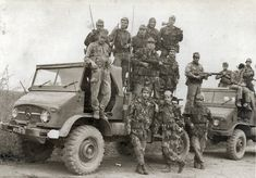 The Portuguese Army inAngola Colonial, West Africa, South Africa, World Conflicts, Army Vehicles, Military Photos, Guinea Bissau, Military Life, Special Forces