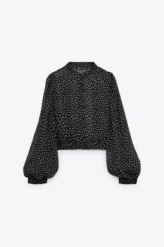 PRINTED CROPPED BLOUSE | ZARA Spain Crop Blouse, Printed Blouse, Shirt Blouses, Zara, Long Balloons, To My Daughter, Bell Sleeve Top, Fashion Outfits, United States