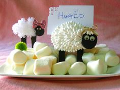 Eid ul Adha Crafts Adorable Sheep craft for eid with a tutorial. easy and super cute! Holiday Crafts For Kids, Christmas Crafts, Eid Cake, Eid Crafts, Sheep Crafts, Eid Special, Eid Al Fitr, Ramadan Decorations, Happy Eid