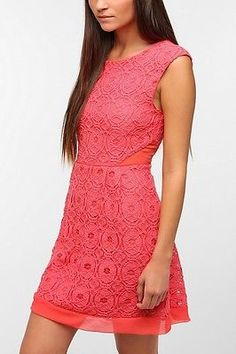 Urban-Outfitters-Kimchi-Blue-Camilla-Medallion-Lace-Dress-Coral-Size-0