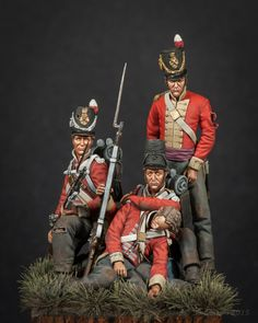 """The Skillingers (27th Regt. of Foot).  The 27th Inniskillings suffered severely at Waterloo:  after the battle one witness described the regiment as """"lying dead in square"""".  After Waterloo, it was common to ask not who was dead, but who was alive!  The 27th suffered 499 casualties out of 698 men!  (figure by Anders Heintz)"""