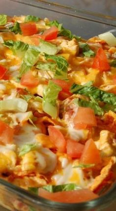 doritos chicken casserole This delicious casserole comes together quickly. Simply pick up a rotisserie chicken from your supermarket OR use leftover chicken or turkey you have on hand, and you'll have dinner in under an hour! Mexican Chicken Casserole, Chicken Pasta Bake, Leftover Chicken Casserole, Taco Chicken, Butter Chicken, Garlic Butter, Buffalo Chicken, Greenbean Casserole Recipe, Casserole Recipes