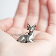 Le Benevolent Deer Totem Necklace - want!