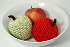 Free Crochet Pattern: Apple