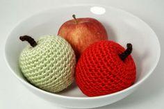 Free Crochet Pattern: Apple