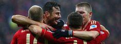 Fußball-Bundesliga: Pizarro-Gala gegen Hamburg
